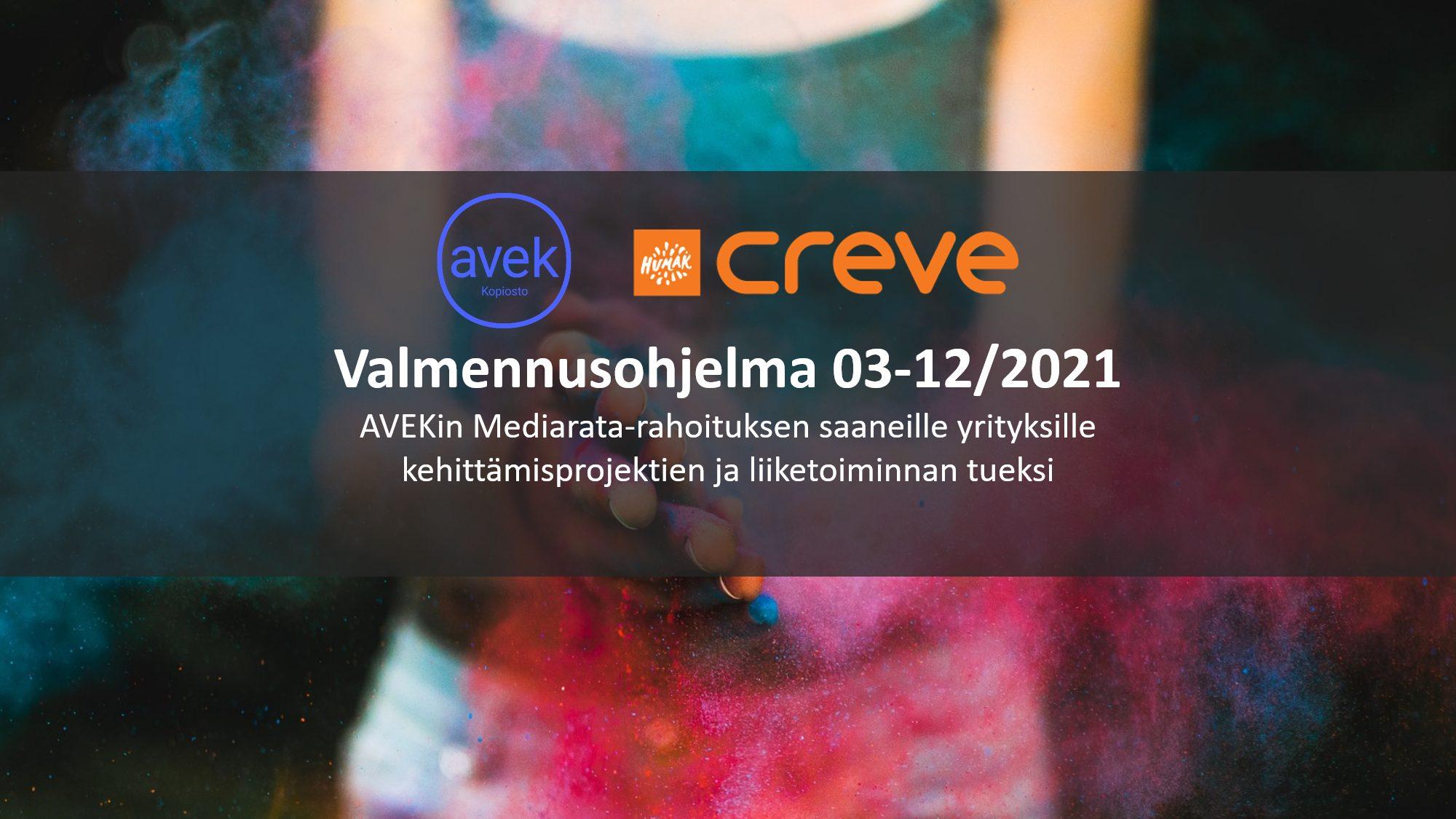 Kuvituskuva: Creven ja AVEKin yhteistyössä toteutettava Mediarata-valmennusohjelma 03-12/2021. Taustalla ihminen pöllyttää käsissään värikästä jauhetta.